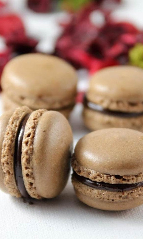Chocolate Macarons Windows Phone Wallpaper
