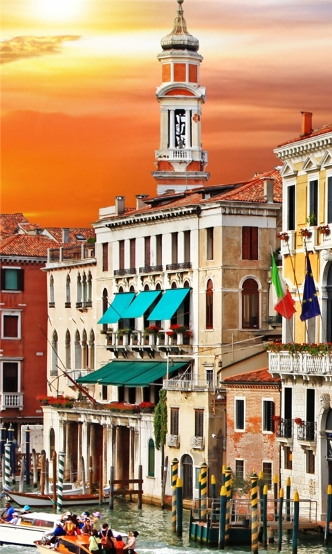 Colorful Venice Corner Windows Phone Wallpaper
