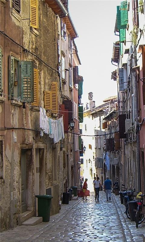 Village alley Windows Phone Wallpaper