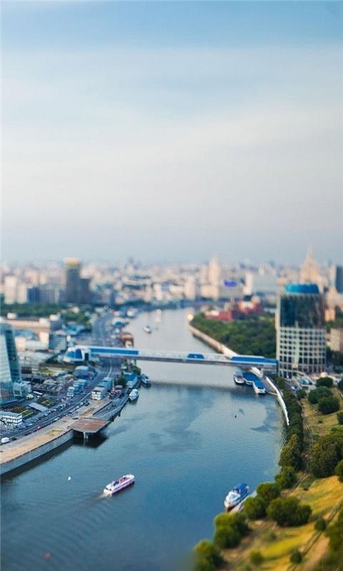 Cityscape river Windows Phone Wallpaper
