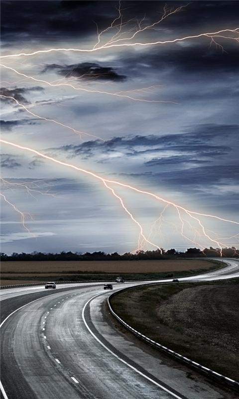 Lightning In The Sky Windows Phone Wallpaper